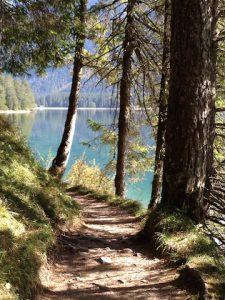 Wanderweg am Heiterwanger See