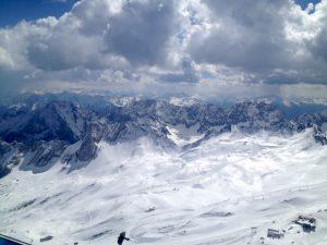 Ausblick von der Zugspitze im Winter