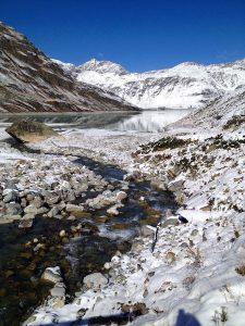 Silvretta-Stausee - Bachlauf im Winter