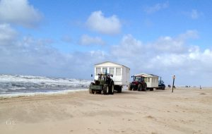 Het Dijkhuisje - Traktoren mit Strandhäusern