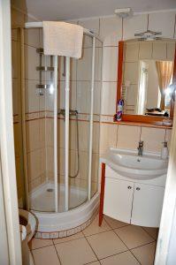 Astra Apartments kleine Wohnung - Badezimmer