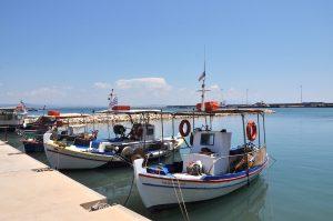 Boote im Hafen von Katakolo, Peloponnes, Griechenland