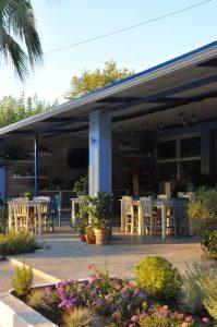Restaurant Almira am Strand von Dounaika, Peloponnes, Griechenland