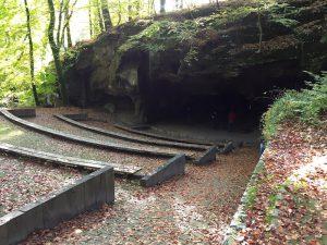 Amphitheater 'Breechkaul' auf dem Müllerthal Trail bei Echternach, Luxemburg