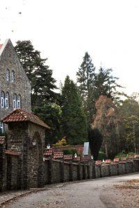Weg zur Benediktinerabtei von Clervaux
