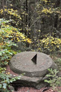 Sonnenuhr am Müllerthal Trail, Luxemburg
