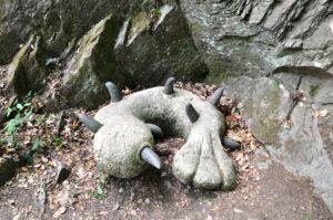 Dinofuss im Müngstener Brückenpark