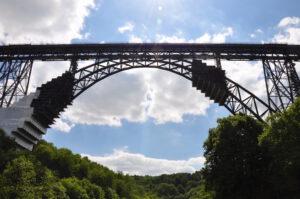 Müngstener Brücke mit Bauarbeiten