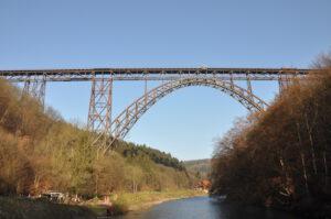 Müngstener Brücke mit Haus Müngsten