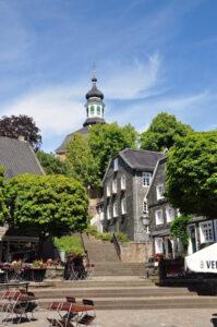 Marktplatz und Kirche in Solingen-Gräfrath