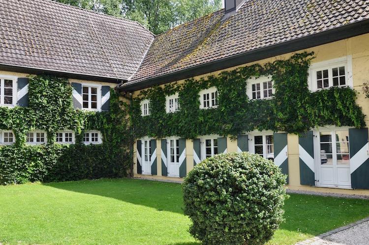 Seitenflügel mit Museum - Wasserschloss Haus Graven