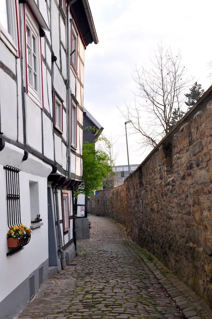 Ein Spaziergang entlang der Stadtmauer in Hattingen