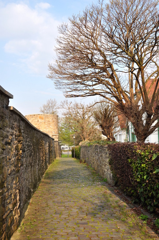 Enlang der Hattinger Stadtmauer